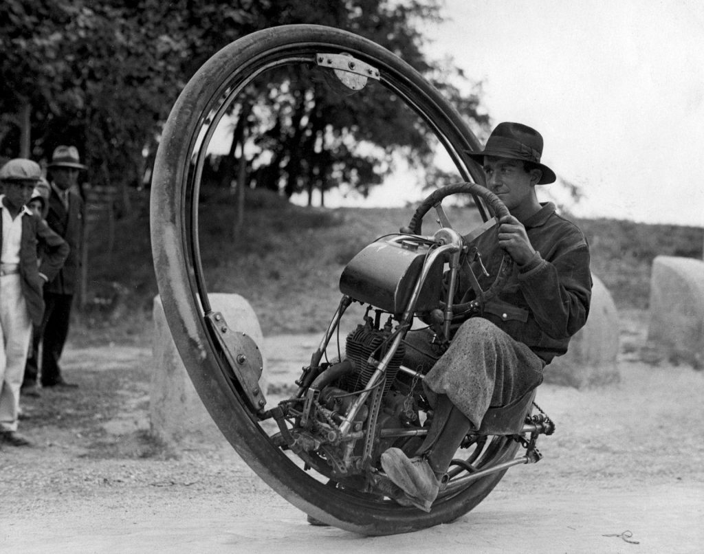 22438-one-wheel-motorcycle-invented-by-italian-m-goventosa-de-udine-maximum_1920x1080